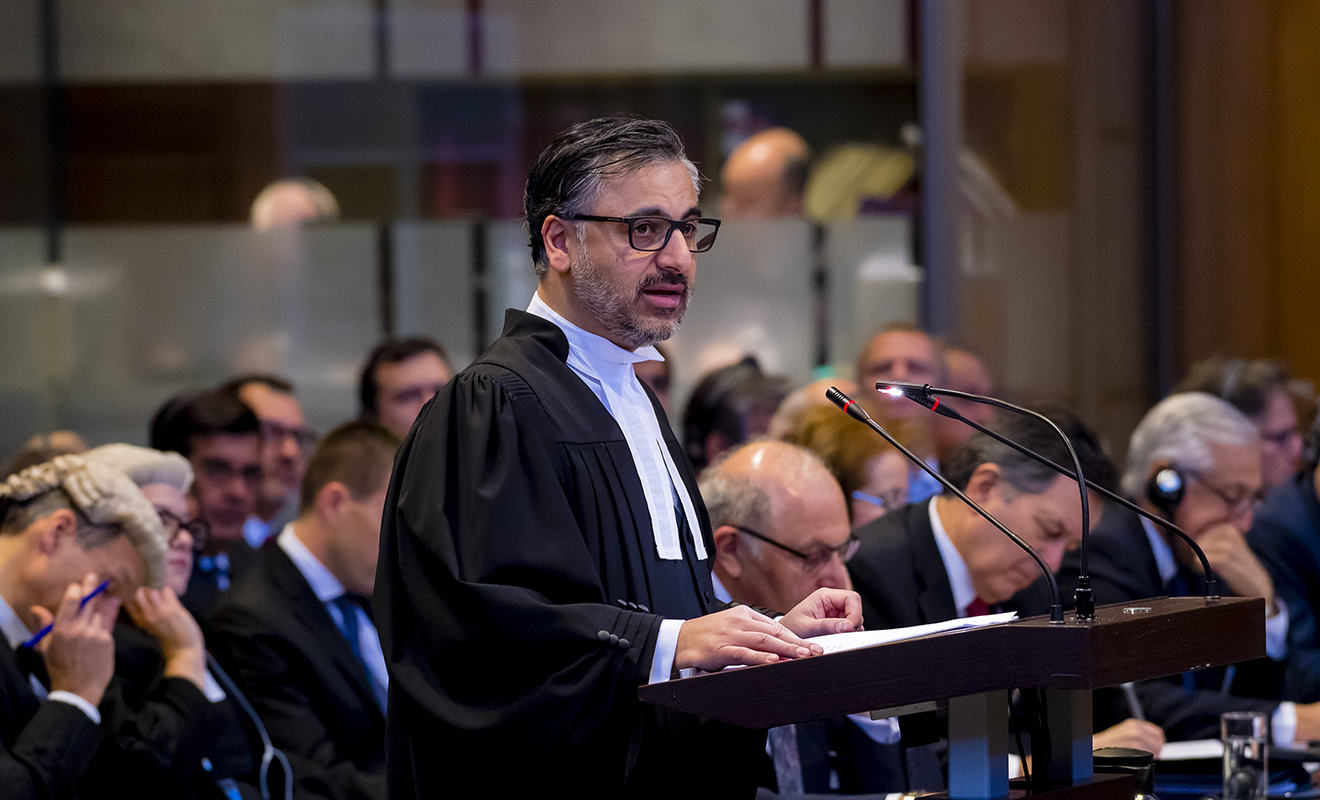 Professor Akhavan pleading before the International Court of Justice.